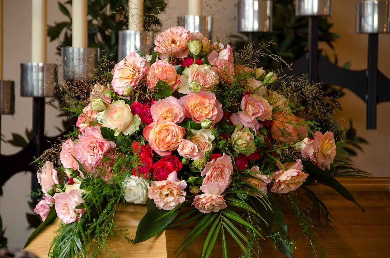 Flowers and charitable donations funeral it is usually acceptable to send flowers even when the obituary or death notice states in lieu of flowers please make a contribution to izmirmasajfo